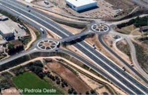 Fotografía aérea de los enlaces de acceso a Pedrola sobre la autovía A-68